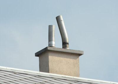 Nesprávně zakončená komínová vložka - hrozí otrava CO!